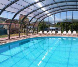 Overdekt en verwarmd zwembad in de Vosges, au clos de la chaume