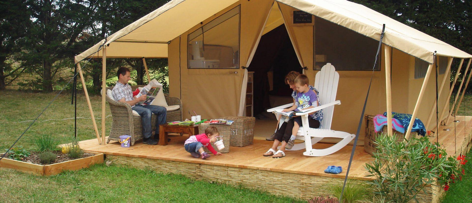 Camping Clos De La Chaume : Cotton Lodge Nature Au Camping Sites Et Paysages Au Clos De La Chaume Avec La Famille Colin Wood