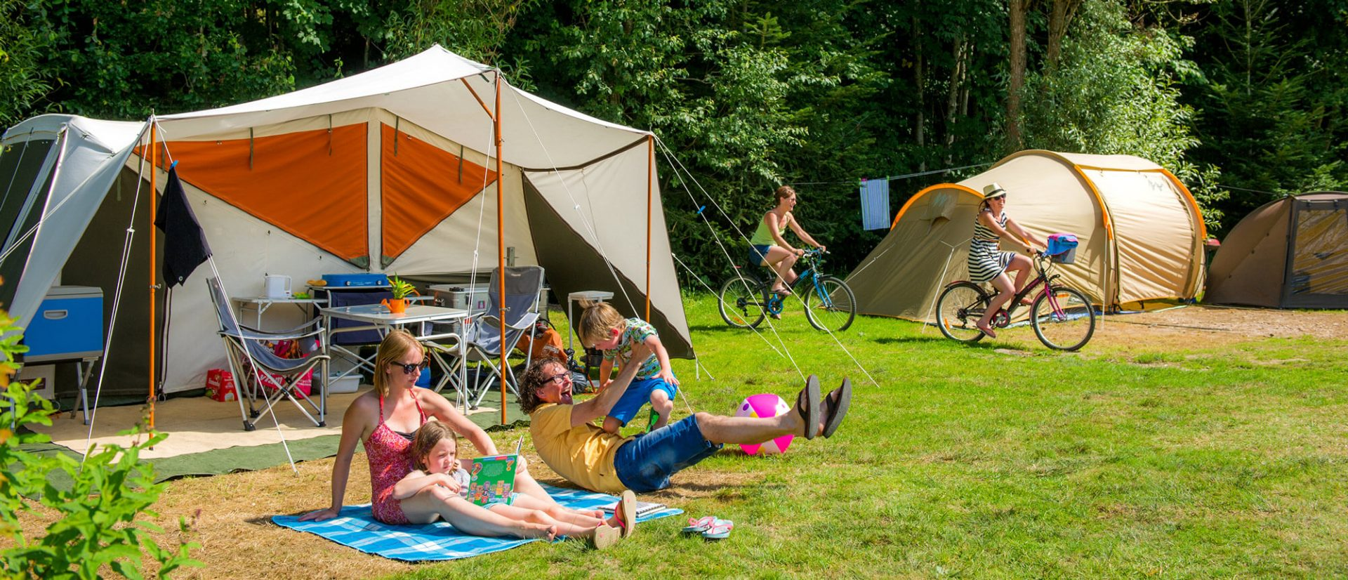 Camping Clos De La Chaume : Emplacement Camping Au Clos De La Chaume